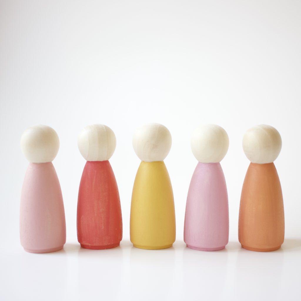 plain peg dolls with solid paint